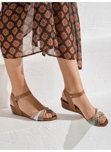 Elle Sandalet Renkli